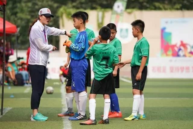 【获奖荣誉】校园足球燃激情 绿