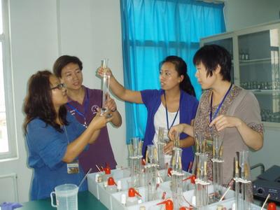 也为我校初高中学生提供了更广阔的探究实验天地.